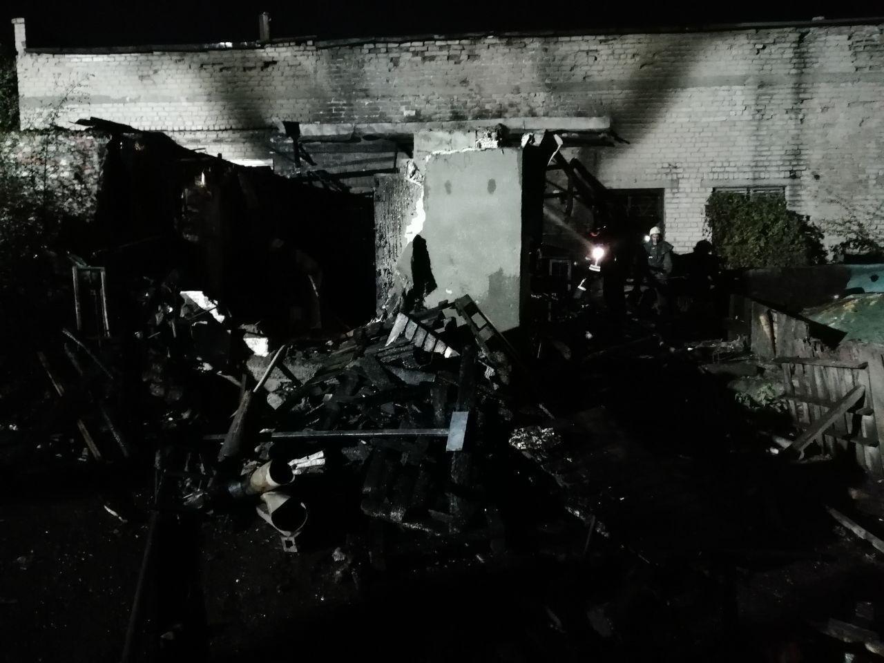 В Запорожье пожар на Шевченковском тушили 16 спасателей, – ФОТО, фото-1