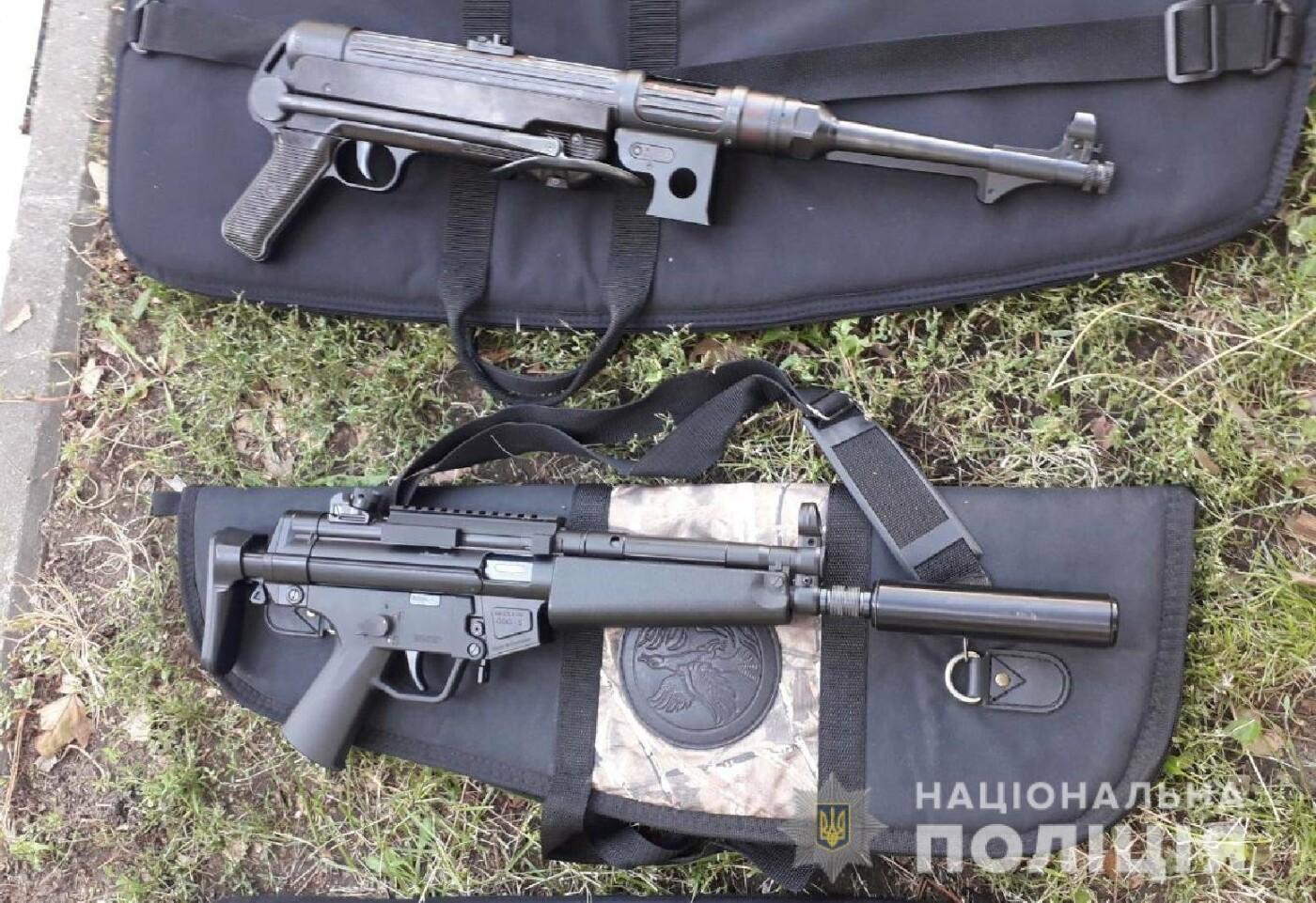 10 единиц оружия и около 800 патронов: у запорожца в гараже обнаружили настоящий арсенал оружия, – ФОТО, фото-4