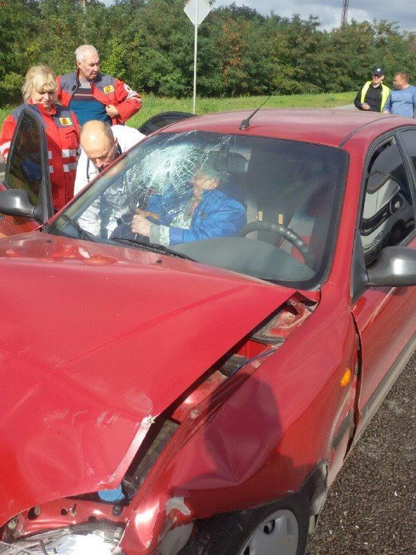 В Запорожье на Хортице водитель врезался в припаркованный Ланос, – ФОТО, фото-1