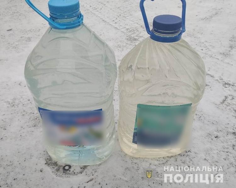В Запорожской области полиция во время рейдов изъяла почти 400 литров нелегального алкоголя и суррогата, фото-3