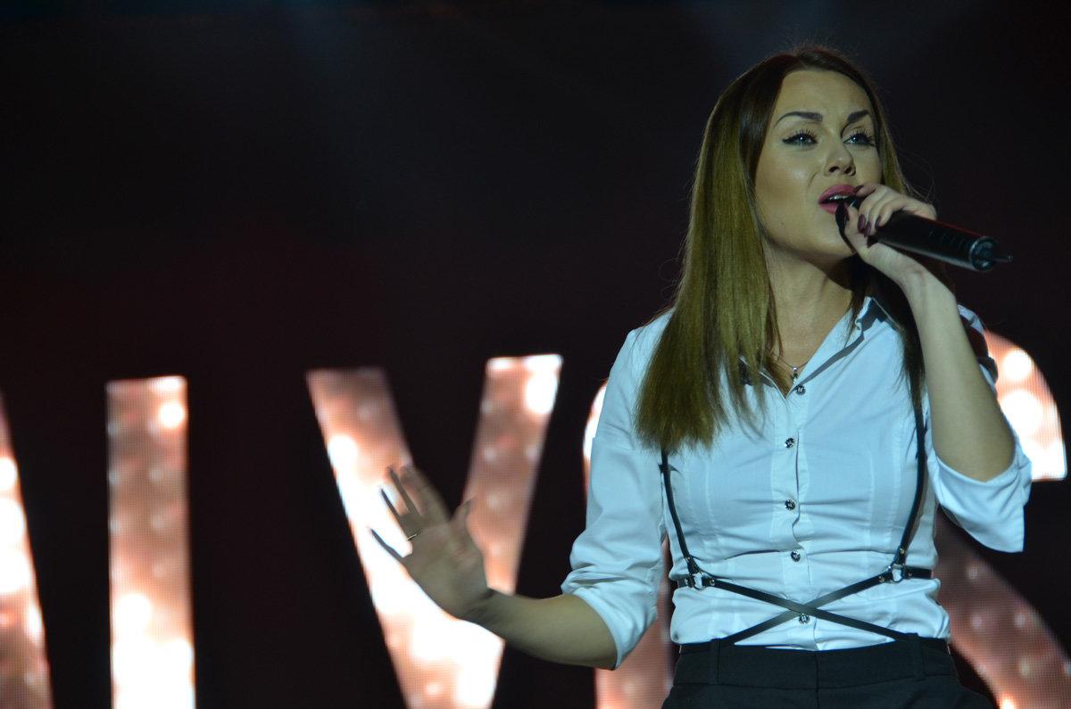 В Запорожской области певица Alyosha выступила на заводском празднике, – ФОТО, фото-5
