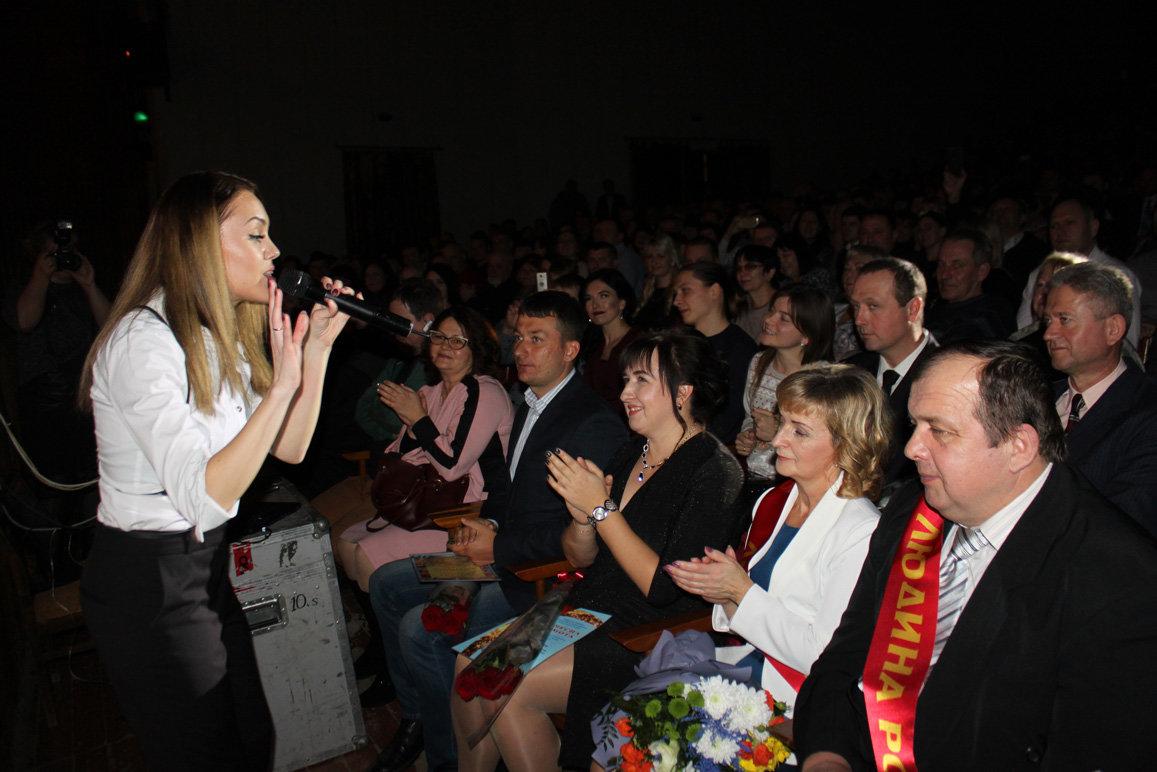 В Запорожской области певица Alyosha выступила на заводском празднике, – ФОТО, фото-9