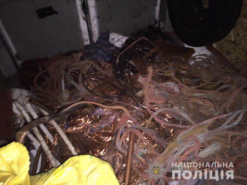 В Запорожской области на блокпосту остановили грузовик: внутри было больше тонны порезанных кабелей, фото-3