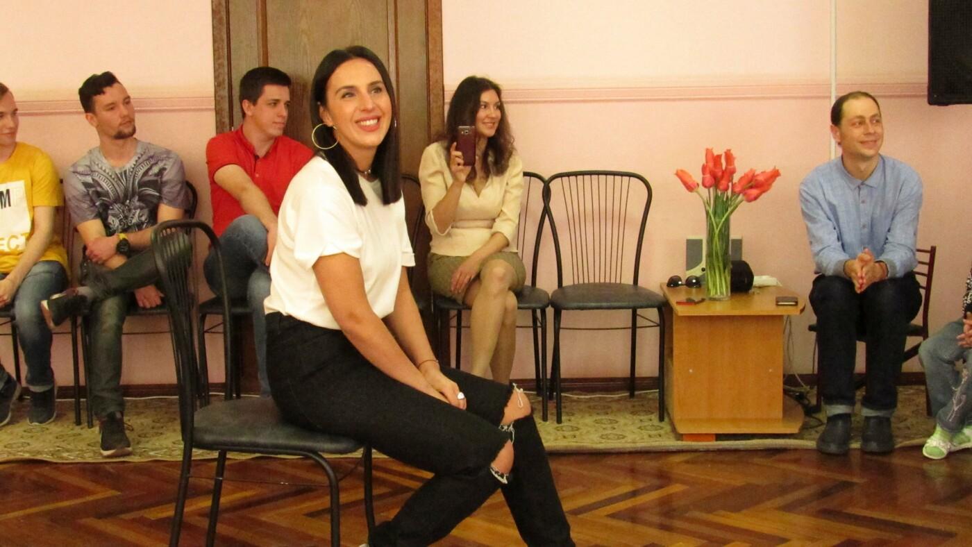 После концерта на Zaporizhzhia Jazzy Джамала посетила запорожский детский приют, – ФОТОРЕПОРТАЖ, фото-6