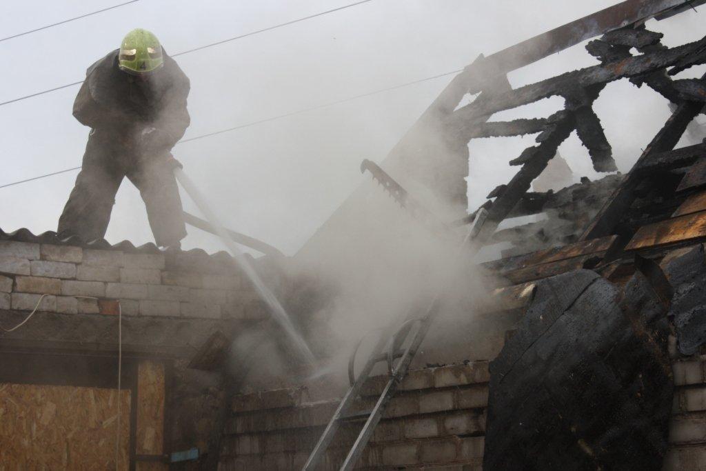 В Запорожье 14 спасателей тушили частный дом, - ФОТО, фото-5