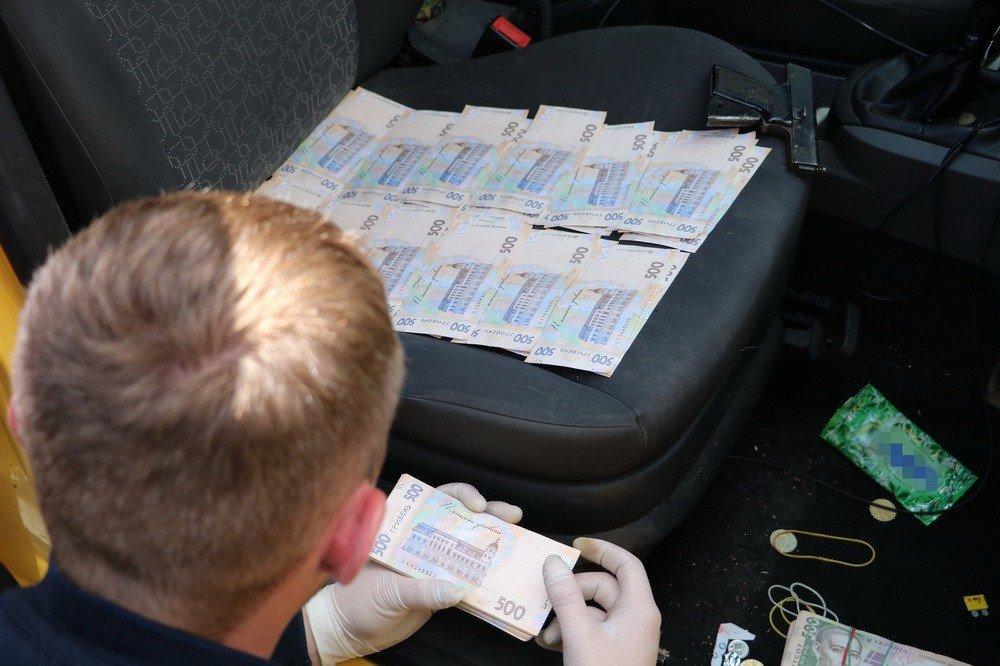 Запорожских следователей поймали на взятке в $10 000 за закрытие уголовного дела, - ФОТО ВИДЕО, фото-1