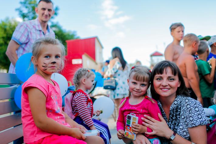 """В Запорожье на День молодежи провели фестиваль красок """"Холли"""", фото-5"""