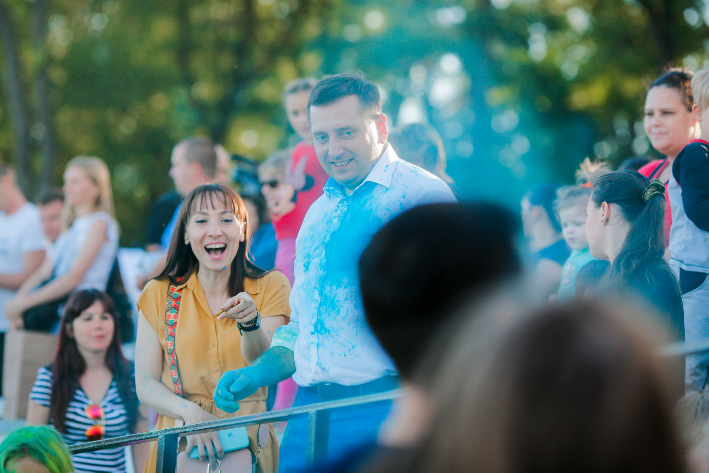 """В Запорожье на День молодежи провели фестиваль красок """"Холли"""", фото-4"""