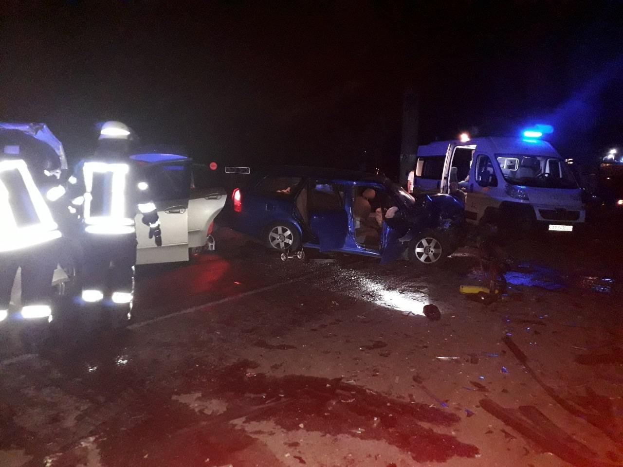 В Запорожье возле памятника автомобилистам случилось ДТП: 5 человек госпитализировали, - ОБНОВЛЕНО, фото-1