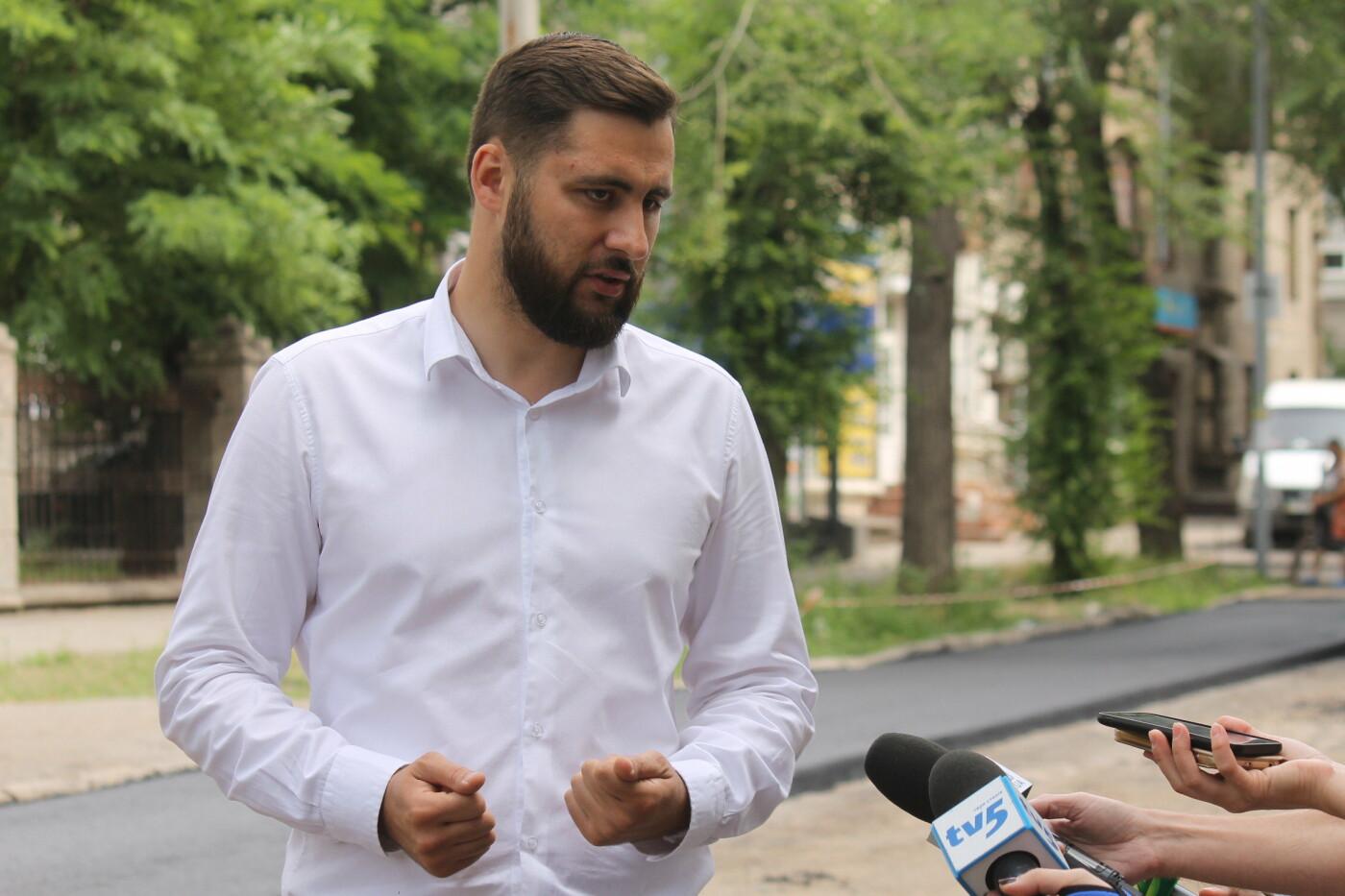 Команда Владимира Буряка продолжает масштабный ремонт дорог в Запорожье, фото-3