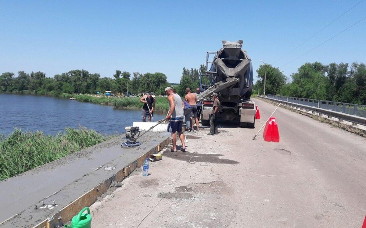 В Запорожской области заканчивают аварийный ремонт моста, – ФОТО  , фото-1