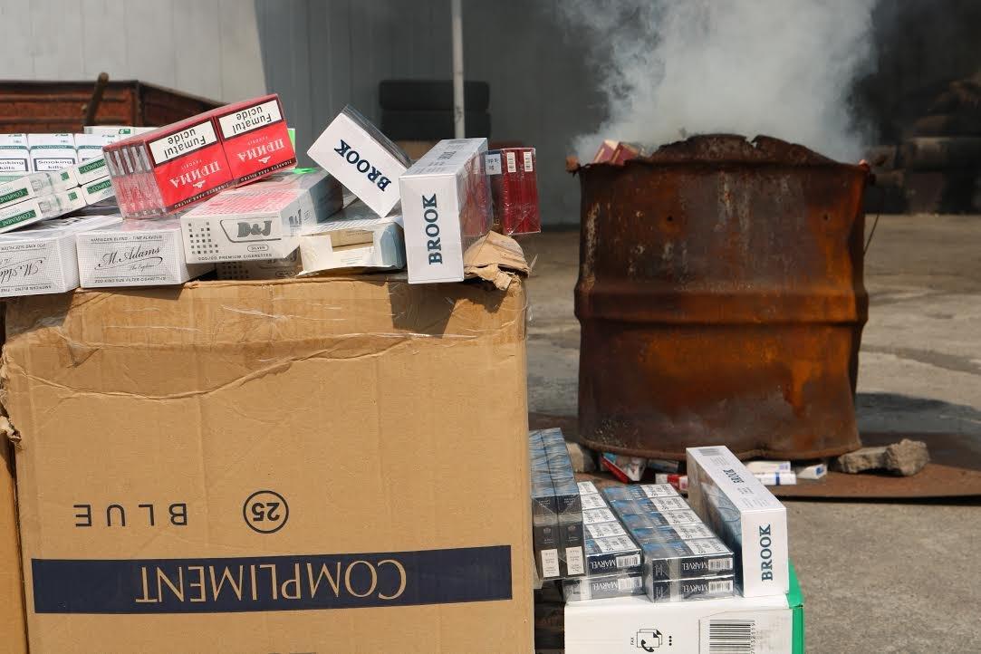 В Запорожье сожгли контрафактных сигарет на 100 тысяч гривен, - ФОТО, фото-1