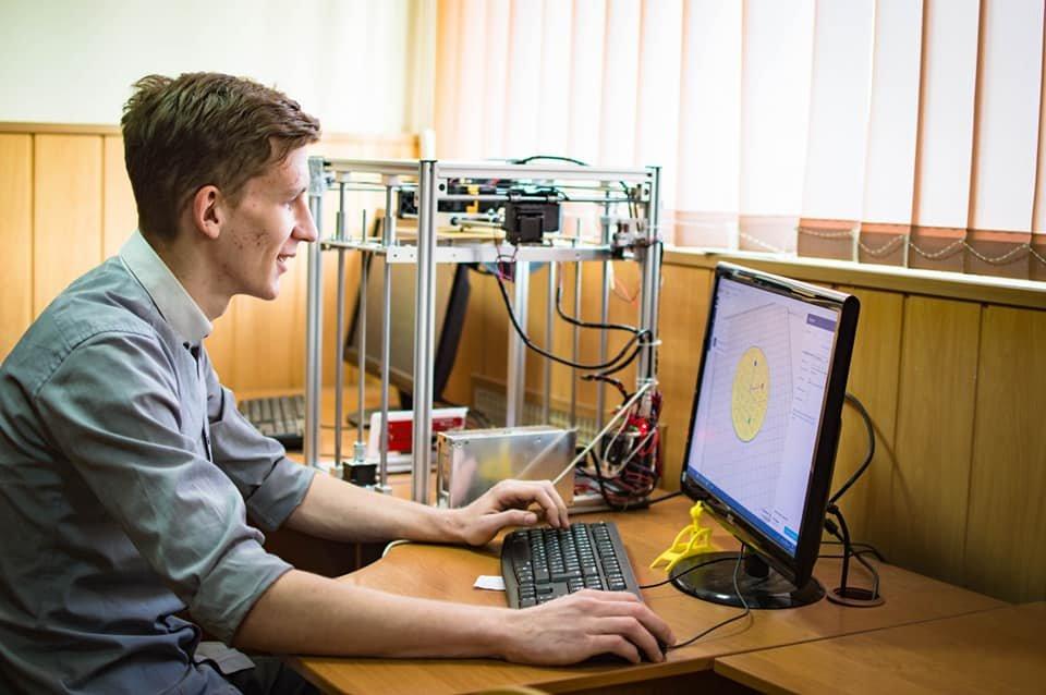 Запорожские студенты разрабатывают роботов, создают виртуальную реальность и делают Smart-зеркала, фото-5