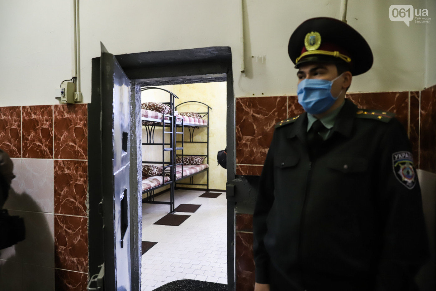 В Запорожском СИЗО один заключенный выкупил все места в VIP-камере, фото-6