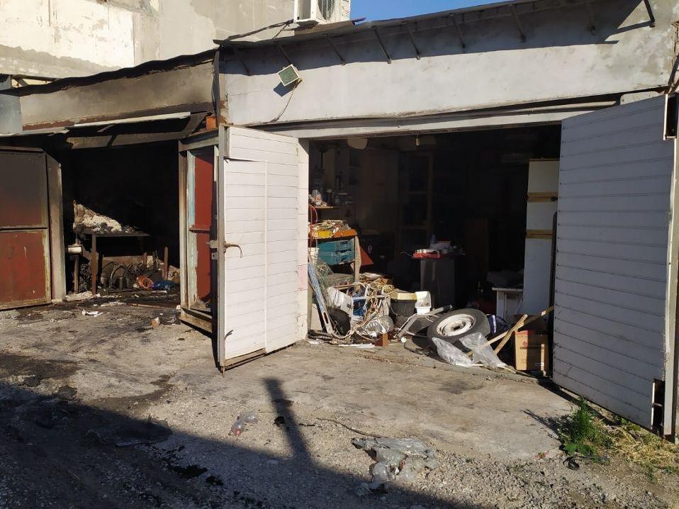 В Запорожье из-за неисправности ГБО случился пожар в гаражах, - ФОТО, фото-1