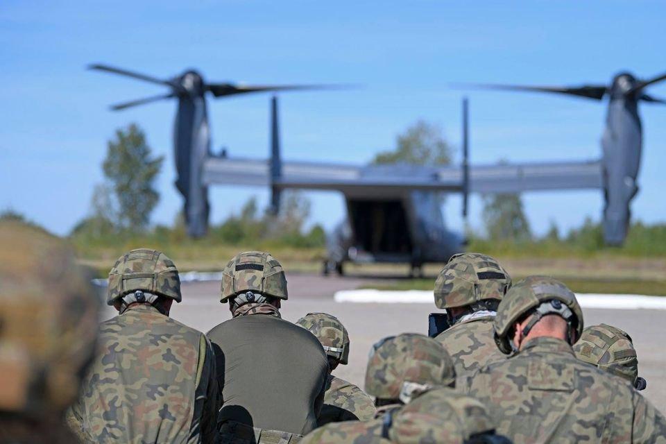 В среду низко над Запорожьем будут пролетать американские военные самолеты, фото-1