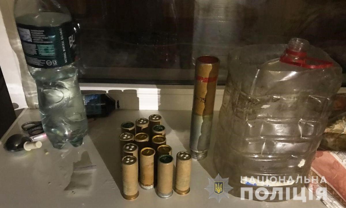 В Запорожье у подозреваемого в наркоторговле дома нашли 1385 патронов, - ФОТО, фото-3
