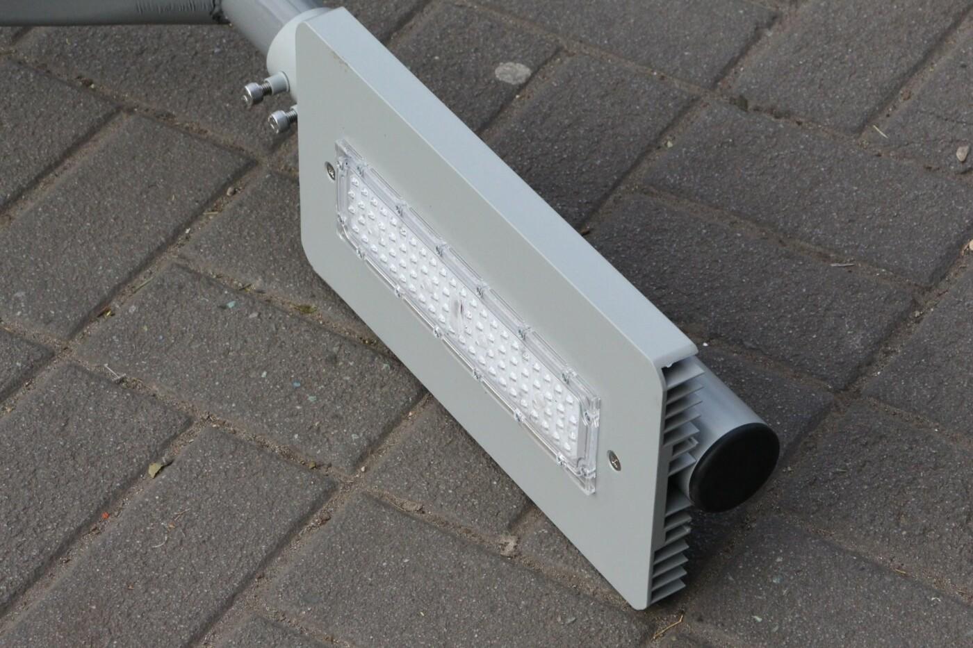 В Запорожье на главном проспекте меняют фонари на энергосберегающие, - ФОТО, фото-3