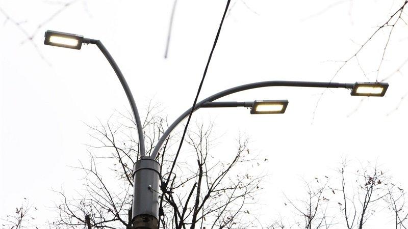 В Запорожье на главном проспекте меняют фонари на энергосберегающие, - ФОТО, фото-5