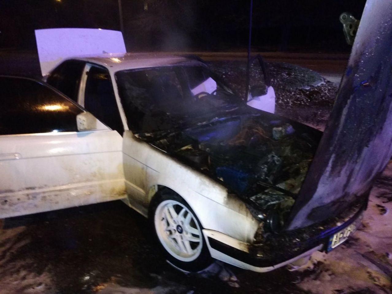 Ночью в двух районах Запорожья загорелись автомобили, - ФОТО, фото-2