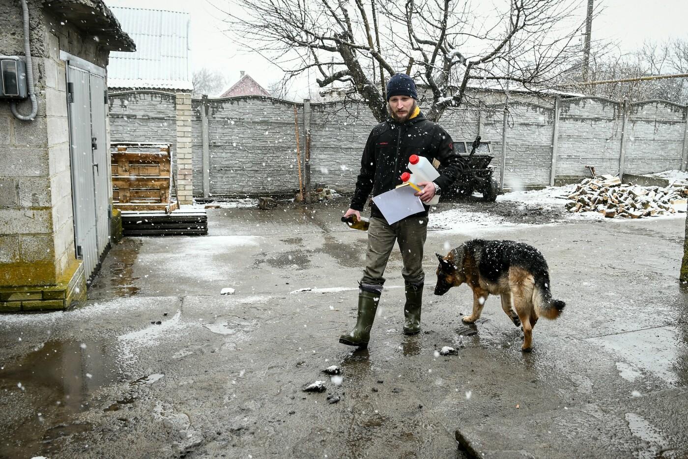 В Запорожской области эксперты по радиологии начали отбирать пробы в селе, где планируют построить каолиновый карьер, фото-14