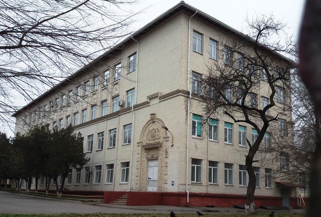 Здания с маскаронами: где в Запорожье можно увидеть интересные декоративные детали, - ФОТО , фото-13