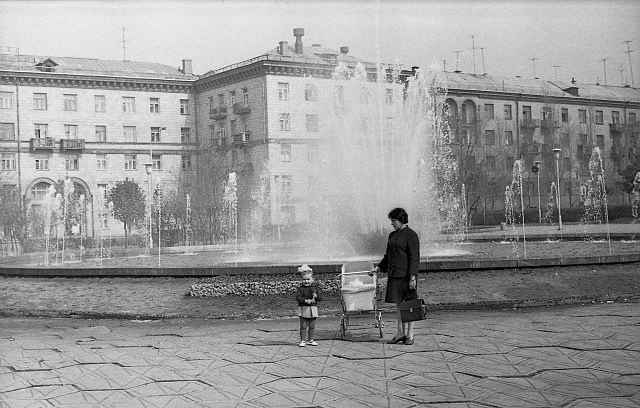 В Запорожье заработал фонтан на Маяковского - как он выглядел более 50 лет назад, - ФОТО, фото-11