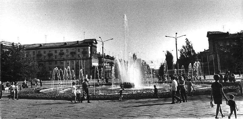 В Запорожье заработал фонтан на Маяковского - как он выглядел более 50 лет назад, - ФОТО, фото-13