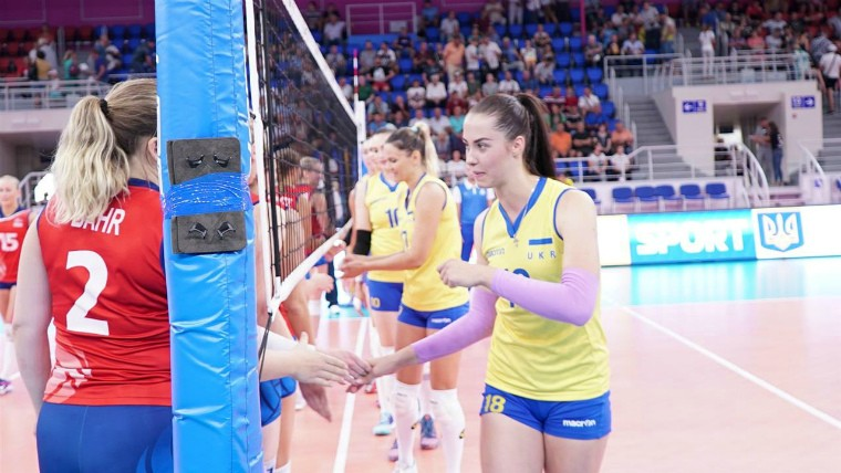 transseksualka-russkie-topless-voleybolistki-video-semyami